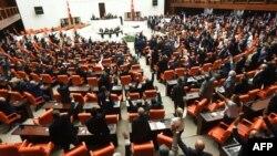 Төркия парламенты утырышы (архив фотосы)
