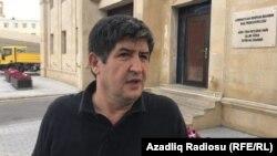 Şahvələd Çobanoğlu dindirilmədən çıxarkən. 14 iyun 2017