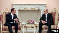 Hollande dhe Putin - foto arkivi