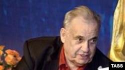 """Эльдар Рязанов одним из первых прошел по ковровой дорожке """"Золотого минбара"""""""