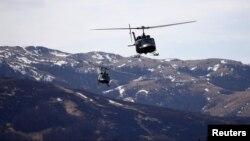 Архивска фотографија: Хеликоптери на ЕУФОР на воена вежба во БиХ