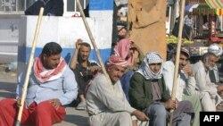 عمال عراقيون يبحثون عن عمل