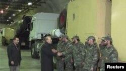 خبرگزاریهای ایران گزارش دادهاند که علی لاریجانی از دومین شهر موشکی سپاه بازدید کرده است.