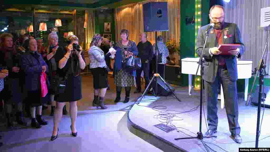 В одном из ресторанов Алматы генеральный консул Польши в Алматы Анджей Папеж устроил торжественный прием. Алматы, 4 ноября 2016 года.