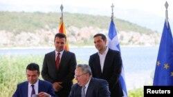 Nënshkrimi i marrëveshjes në Prespë për emrin e ri të Maqedonisë, 17 qershor 2018