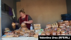 La piaţa din Strășeni
