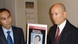 France/Turkmenistan -- Annadurdy Hadjiyev (or Annadurdy Khadjiev ) (R), brother of Ogulsapar Muradova standing next to Turkmen diplomat (L) (unidentified) after demonstrators forced their way into the Turkmen embassy in Paris, 18Sep2008