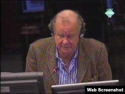 Ed Vulliamy, britanski novinar, na suđenju Radovanu Karadžiću, 9. studeni 2011.