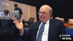Федеральний суддя США Марк Вулф переконаний: величезна корупція в Україні – це не тільки українська проблема
