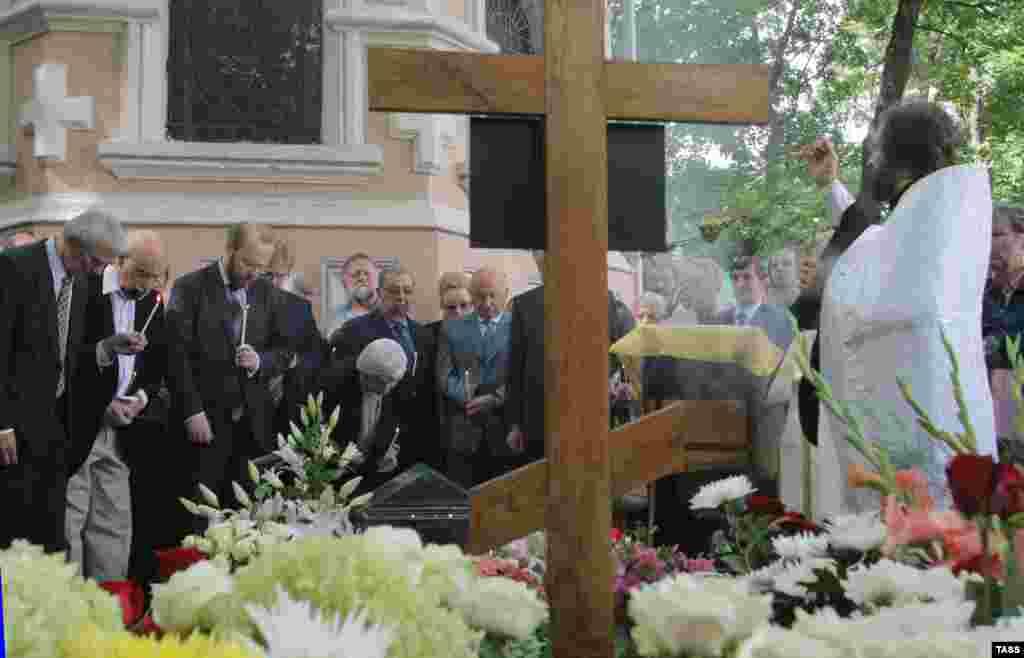 Панихида в годовщину смерти А.Солженицына прошла в Москве