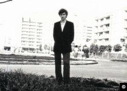 Олексій Бреус, інженер-ядерник, в день влаштування на роботу до Чорнобильської АЕС. Прип'ять, 1982