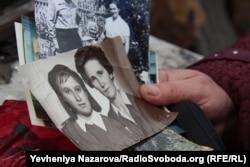 Анна Нужна (зліва) з своєю тіткою Марією Сідоренко, що виховувалась виховувалася у запорізькому будинку немовляти
