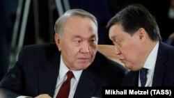 Қазақстан президенті Нұрсұлтан Назарбаев пен Асқар Мамин ТМД басшыларының жиынында. 11 қазан 2017 жыл.
