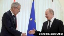 Россия президенти Владимир Путин ва Австрия президенти Александер ван дер Беллен 15 майда Сочида учрашди.