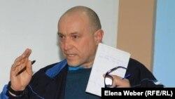 Теміртаулық журналист әрі экобелсенді Олег Гусев.