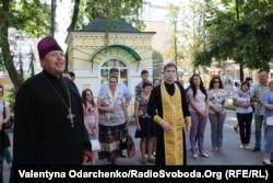 Біля собору, де служив Володимир Мисечко