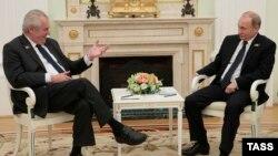 Мілош Земан і Володимир Путін під час зустрічі у Кремлі, 9 травня 2015 року
