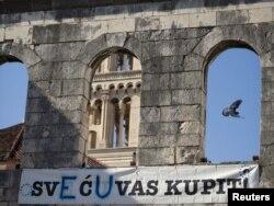 Napis koji je osvanuo u Splitu, siječanj 2012.