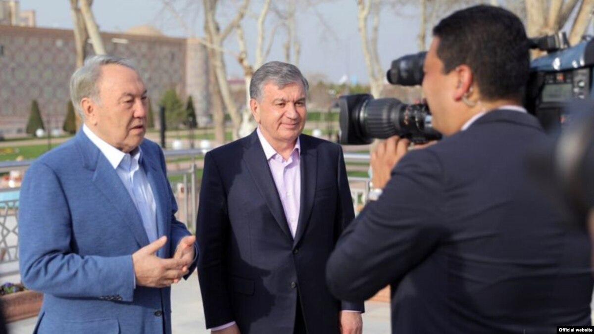 Нурсултан Назарбаев встретился в Самарканде с Шавкатом Мирзиеевым