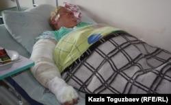 Валентина Беляева, пострадавшая во время пожара, лежит в больничной палате.