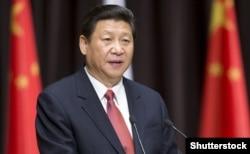 По неофициальным данным, Чжоу Юнкан пытался организовать два покушения на жизнь нынешнего Председателя КНР Си Цзиньпина – еще до его избрания главой государства