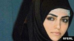 ربيعه اوزدن، در کتاب خود نوشته است در ایران، به رغم آنچه در ظاهر به چشم می خورد، «از اسلام خبری نیست»