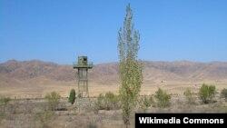Кыргызско-казахская граница.