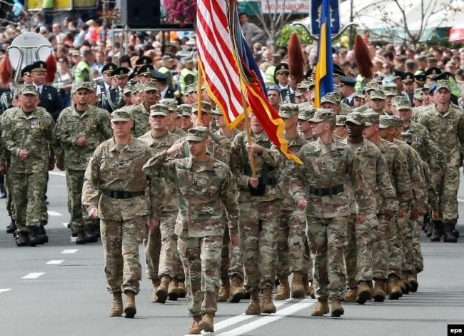 Військові армії США під час військового параду в День Незалежності України. Київ, 24 серпня 2017 року