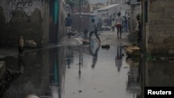 Затоплені через ураган вулиці столиці Гаїті Порт-о-Пренс, 5 жовтня 2016 року