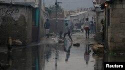 """Гаити астанасы Порт-о-Пренстегі """"Мэтью"""" дауылының салдары. 5 қазан 2016 жыл."""