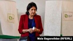 Кандидат в президенты Грузии Саломе Зурабишвили. 28 октября 2018 года.