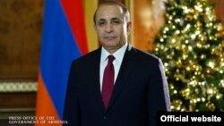 Премьер-министр Армении Овик Абрамян обращается с новогодним посланием к гражданам страны, 30 декабря 2014 г.