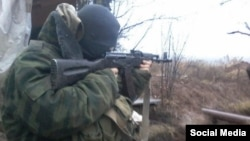 Ілюстраційне фото. Неповнолітній у складі незаконного збройного формування на Донбасі