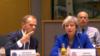 Եվրոպական խորհրդի նախագահ Դոնալդ Տուսկը և Մեծ Բրիտանիայի վարչապետ Թերեզա Մեյը Եվրամիության հատուկ գագաթնաժողովի ժամանակ, Բրյուսել, 25-ը նոյեմբերի, 2018թ․