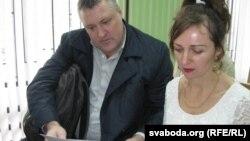 Ларыса Шчыракова і праваабаронца Леанід Судаленка ў судзе