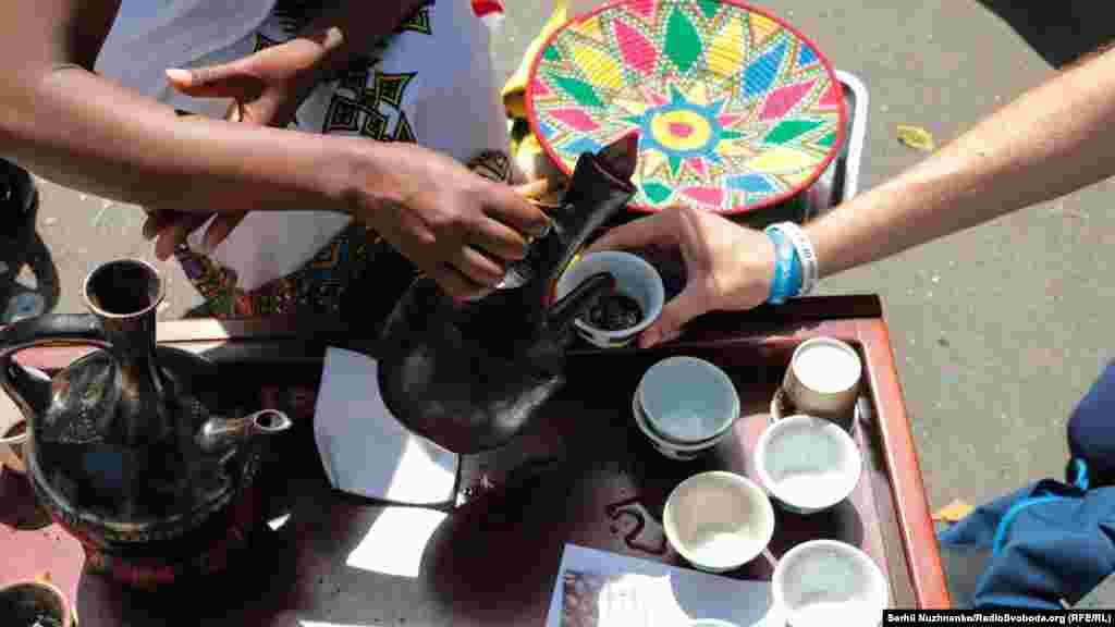 На фестивалі можна було скуштувати справжню ефіопську каву