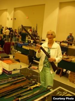 Один из дилеров ярмарки - Линда Грин