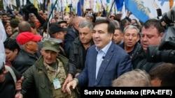 Михаил Саакашвили на акции протеста, 17 октября 2017 года.