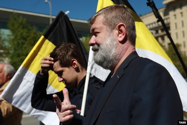 Russian opposition politician Vyacheslav Maltsev (right) at a Russian opposition rally on May 6, 2017.