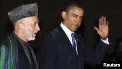 АКШ президенти Барак Обама Кабулдагы президенттик сарайда Ооган мамлекет башчысы Хамид Карзай менен жолугушту, 28-март, 2009-жыл