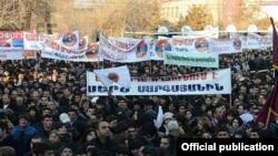 Armenia - President Serzh Sarkisian holds an election campaign rally in Ararat, 4Feb2013.