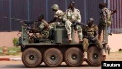 Mərkəzi Afrikadakı hərbi qruplaşmalardan biri (Arxiv)