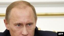 4 декабр кунги мулоқот давомида Путин россияликлар¸ хусусан миллатчилар қулоғига хуш ëқадиган қатор баëнотлар қилди.