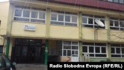 Средното медицинско училиште Др. Јован Калаузи во Битола.