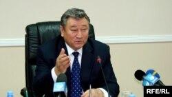 Аким Актюбинской области Елеусин Сагиндиков. Октябрь 2008 года.