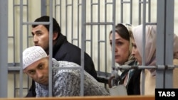 Alleged Shariat Jamaat members on trial in Makhachkala in 2006