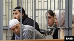 Alleged Shariat Jamaat members on trial in Makhachkala in 2006