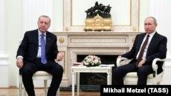Оьрсийчоьнан президент Путин Владимир а, Туркойчоьнан президент ЭрдогIан Реджеп а