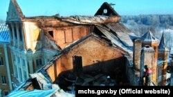 Пасьля пажару ў Нясьвіскім замку 24 сьнежня 2002 году