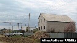 Дом, где жил с родителями будущий смертник Рахимжан Махатов. Актобе, район Юго-Запад.18 мая 2011 года.